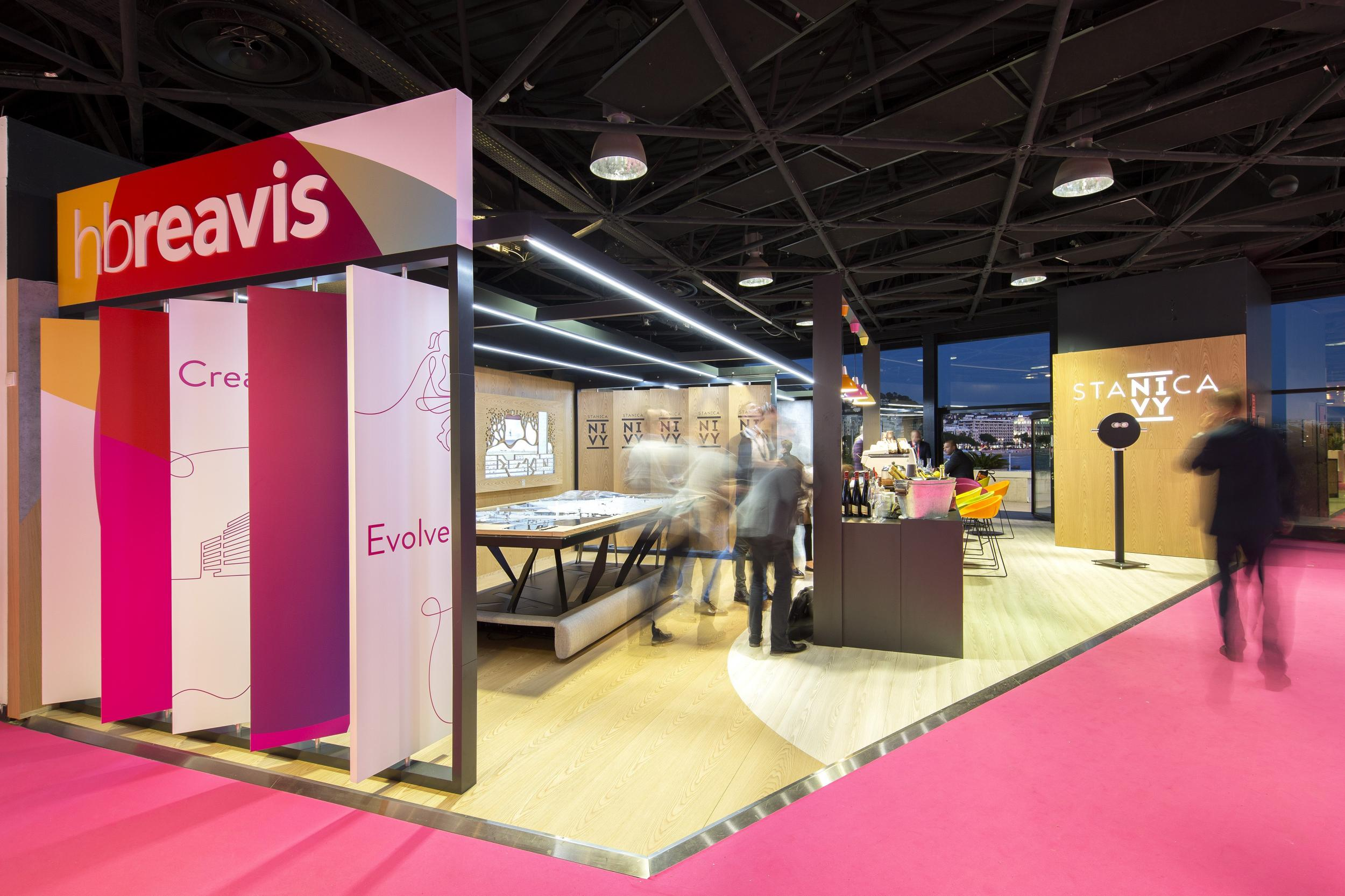 Exhibition Stand Guidelines : Exhibition stand hb reavis mapic cannes france